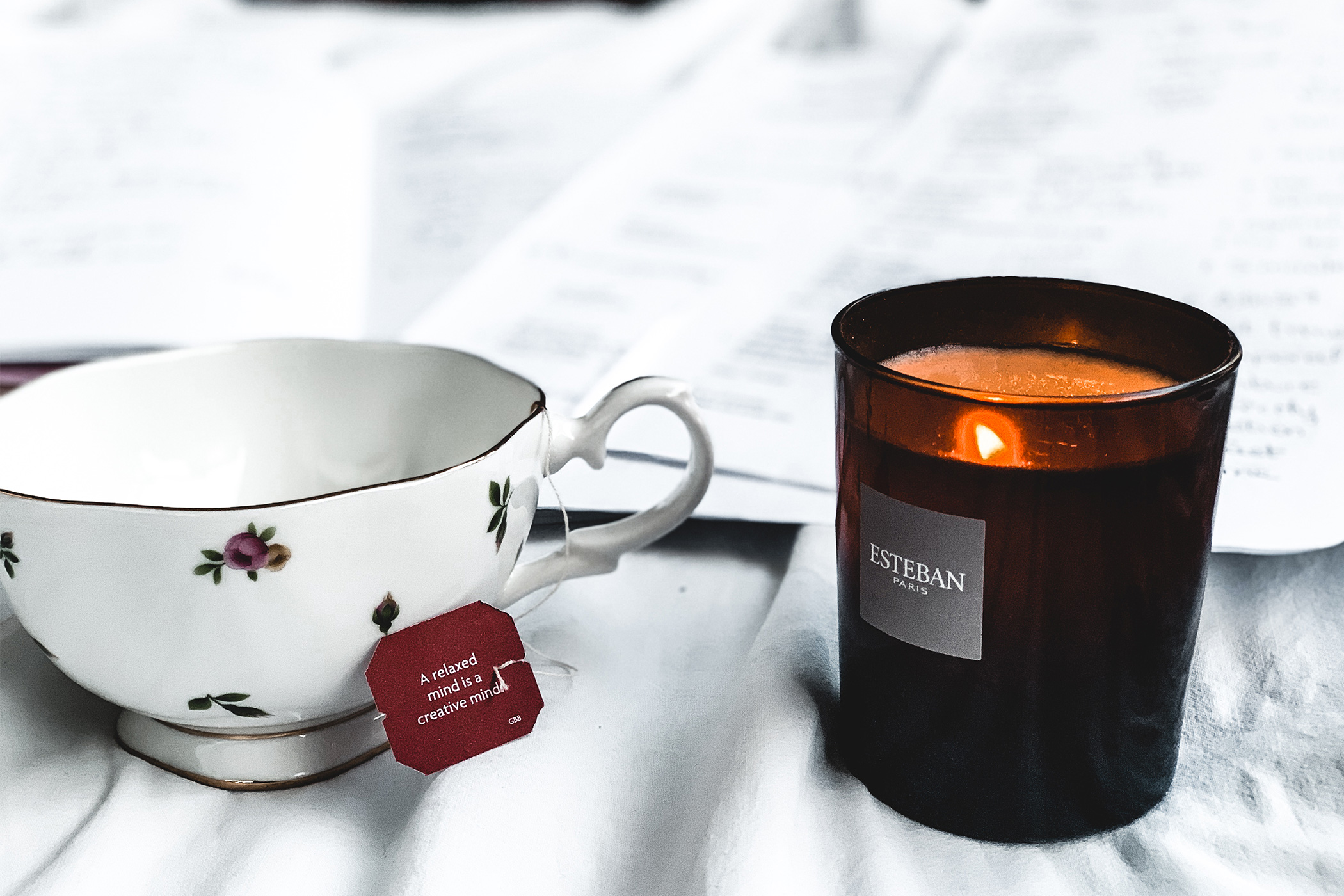 Yogi tea, Esteban canddle. cosy moment. Freelance girl writing travel and poem for is blog. Blog post about take time for us.