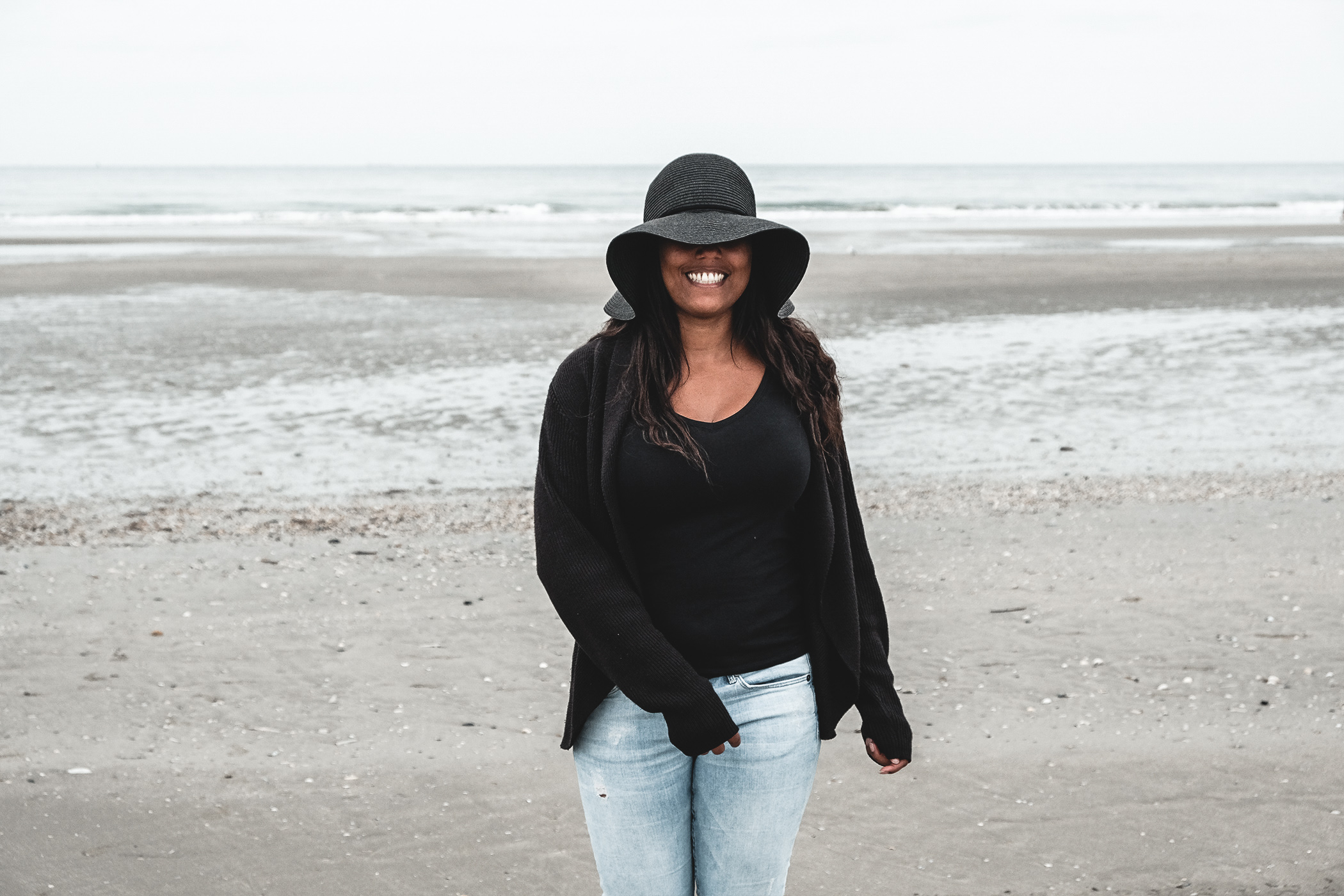 Travel girl at Deauville, sea, Normandy Paris.  Travel writer freelance speaking about positive mind