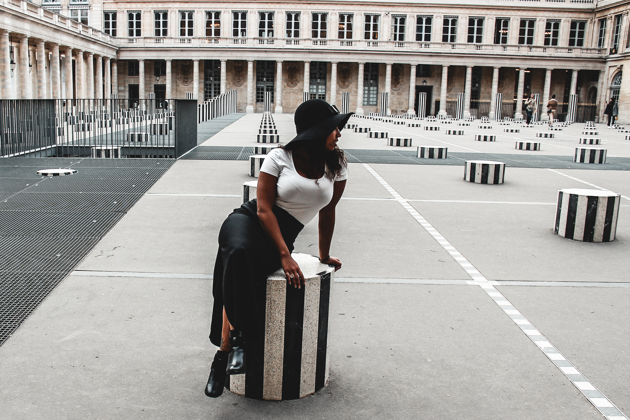 Travel trip at paris, Colonne de Buren, travel girl