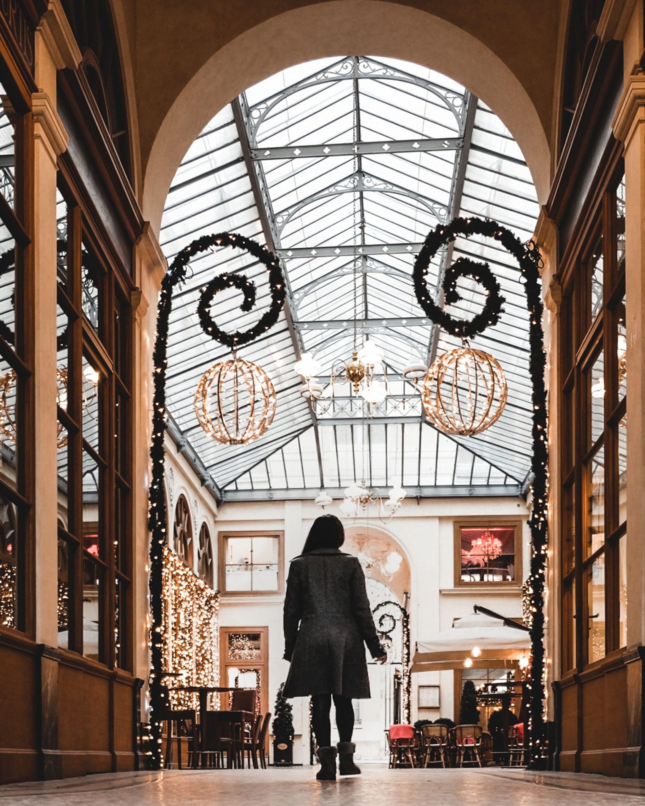 Galerie Vivienne, Paris, Passage de Paris. Parcours de Noël  à paris. Les plus belles places à voir pendant la période des fêtes